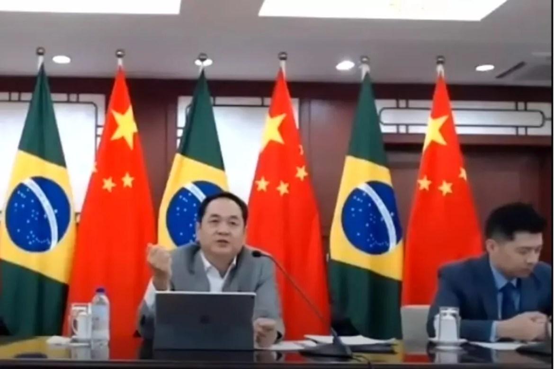Embaixador chinês anuncia doação ao Brasil de material para profissionais de saúde