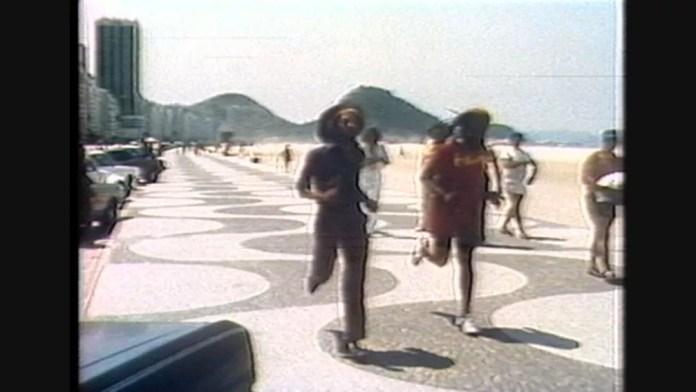 Bob Marley visitou o Brasil em 1980 e correu pela orla de Copacabana — Foto: Reprodução/Globo