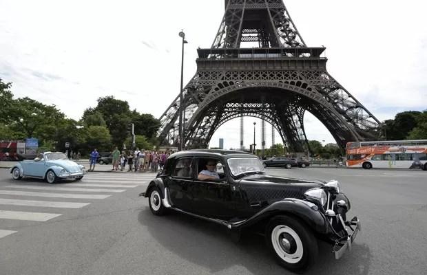Citroën Traction Avant, um dos modelos de carros antigos que costumam desfilar na Traversée de Paris.