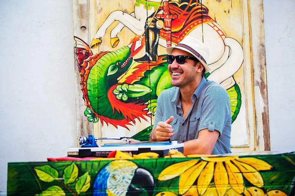 DJ 440 é uma das atrações da prévia Vinil em Brasa (Foto: Alex Ribeiro/Divulgação)