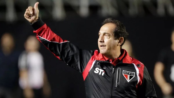 Muricy Ramalho levou o São Paulo ao terceiro título do Brasileirão consecutivo em 2008 — Foto: Divulgação