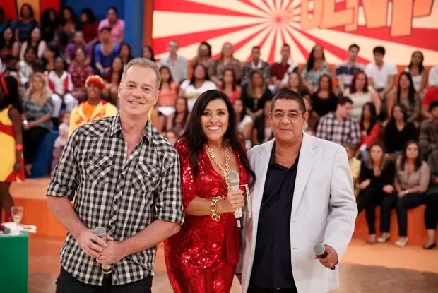 O ator Luiz Fernando Guimarães com Regina Casé e Zeca Pagodinho (Foto: TV Globo/ Esquenta)