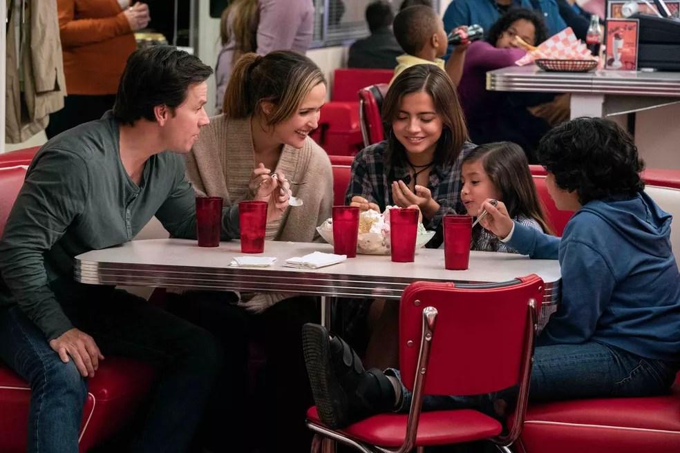 Cena de 'De Repente uma Família' — Foto: Reprodução