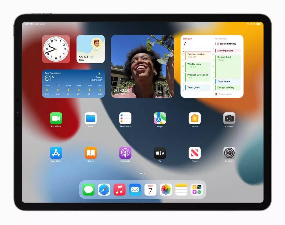Tela inicial do iPadOS 15 — Foto: Divulgação/Apple