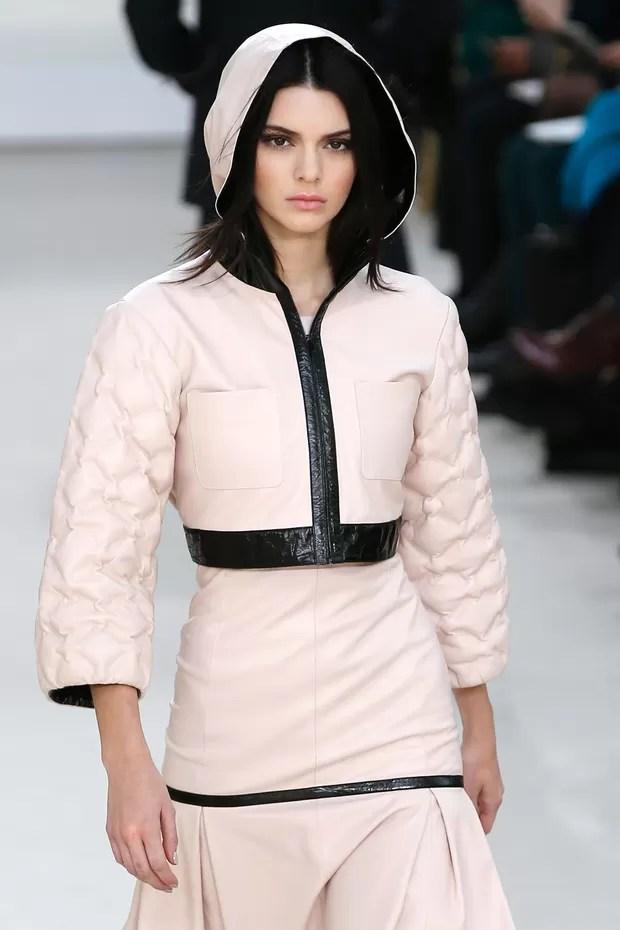 Paris Autumn-Winter 2016 - Chanel - Kendall Jenner (Foto: Agência Getty Images)