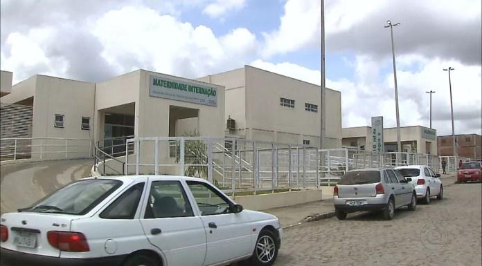 Adolescente que fez o próprio parto e recém nascida foram levadas para Hospital Geral de Mamanguape — Foto: Reprodução / TV Cabo Branco