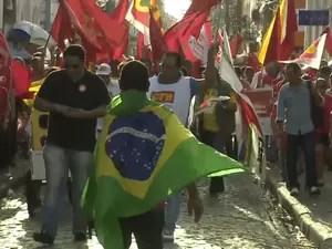 Manifestantes em São Luís (Foto: Reprodução/TV Mirante)