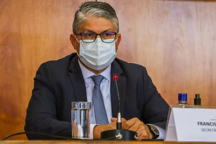 Secretário de Saúde do Distrito Federal, Francisco Araújo, em coletiva de imprensa — Foto: Renato Alves/Agência Brasília