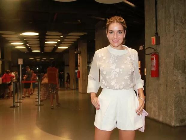 Monique Alfradique em pré-estreia de filme no Rio (Foto: Graça Paes/ Brazil News)