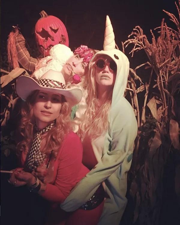 A cantora Kesha fantasiada no Halloween (Foto: Instagram)