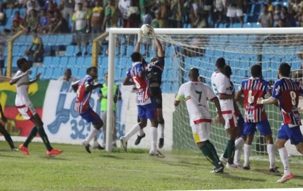 Maranhão e Sampaio jogam a final do Estadual 2012, no Nhozinho Santos (Foto: De Jesus/O Estado)