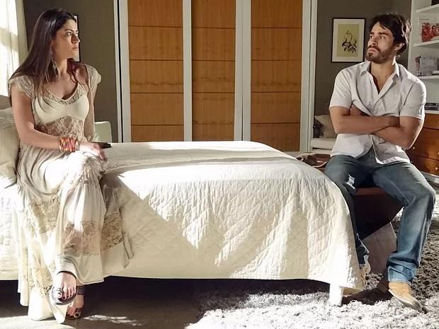 Tobias perdeu toda a confiança em Jacira (Foto: Amor Eterno Amor/TV Globo)