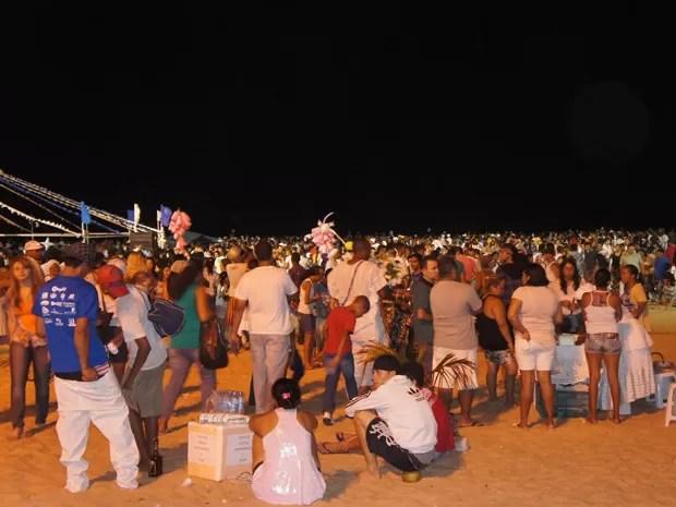 De acordo com a Federação dos Cultos Afro-brasileiros da Paraíba, pelo menos 100 mil pessoas participaram da Festa de Iemanjá (Foto: Jorge Machado/G1)