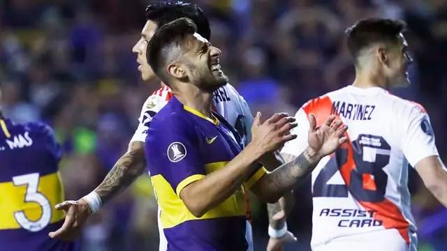 Eduardo Salvio lamenta uma das oportunidades desperdiçadas pelo time do Boca