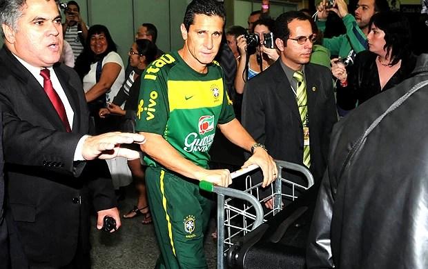 jorginho desembarque seleçao rio (Foto: André Durão / Globoesporte.com)