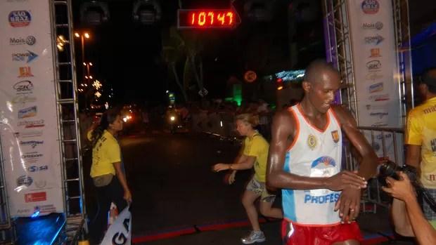 Jair José da Silva, vencedor da Meia Maratona Jampa Verão (Foto: Lucas Barros / Globoesporte.com/pb)