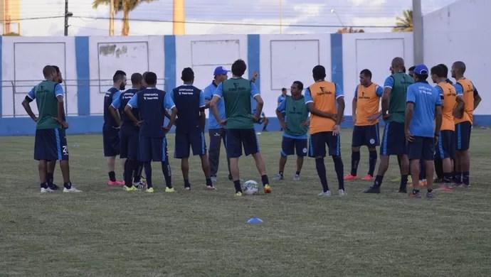 Confiança, treino (Foto: Osmar Rios / GloboEsporte.com)