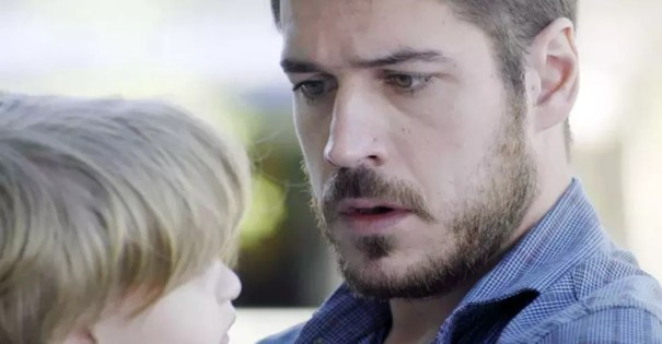 Zeca descobre ser pai de Ruyzinho (Foto: TV Globo)