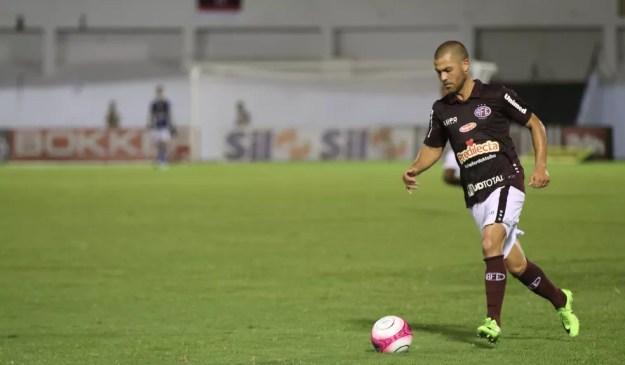 Velicka pode reforçar o CSA na Série B do Brasileiro (Foto: Beto Boschiero/Ferroviária)