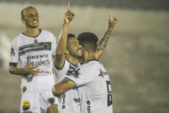Roniel marcou o gol do Belo no primeiro jogo contra o Campinense, ainda na primeira fase — Foto: Guilherme Drovas / Botafogo-PB