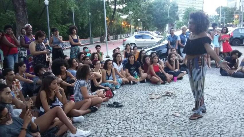Grupo de poesia formado por mulheres cobrou apuração mais rápida sobre o assassinato de Marielle Franco (Foto: Luna Markman/TV Globo)