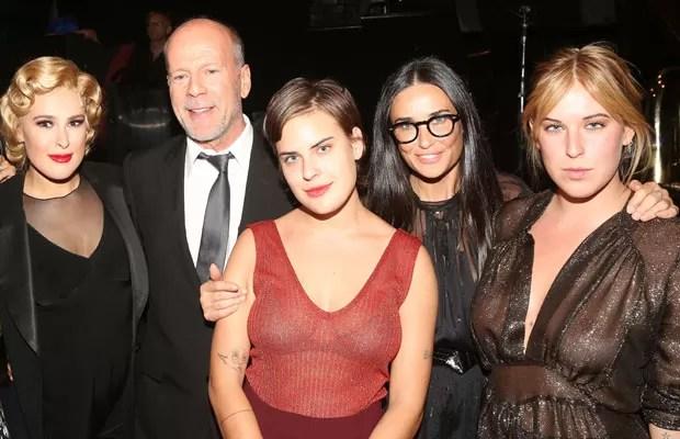 Demi Moore e Bruce Willis com as filhas (Foto: Getty Images)