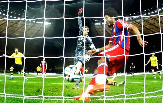 Dante jogo Bayern de Munique e Dortmund (Foto: Reuters)