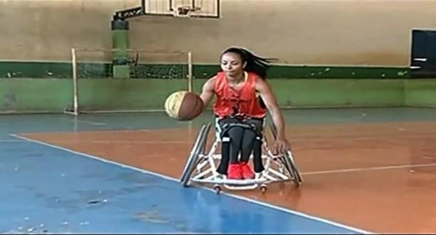 Ana Aurélia, jogadora de basquete em cadeira de rodas (Foto: Reprodução/TV Anhanguera)