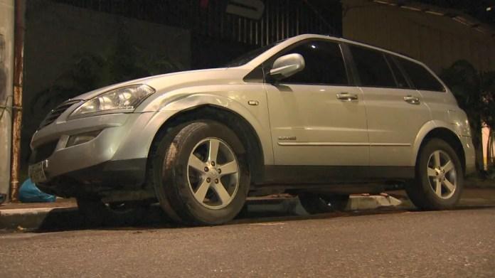 Veículo foi recuperado horas depois em uma rua do bairro Bonfim, em Vitória, ES — Foto: Reprodução/TV Gazeta