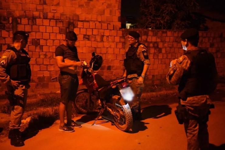 Polícia fez abordagem, colocou policiais em pontos estratégicos e reforçou o policiamento ordinário em Rio Branco (Foto: Divulgação/Segurança Pública do Acre)