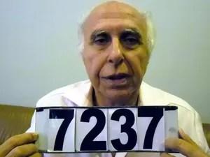 Roger Abdelmassih é fichado pela polícia paraguaia após ser preso em Assunção. Médico é condenado a 278 anos de prisão por estupro contra 39 pacientes (Foto: Divulgação/Secretaria Nacional Antidrogas do Paraguai)