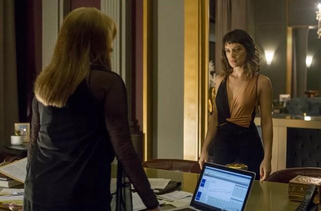Clara enfrenta Sophia (Foto: Marília Cabral/Globo)