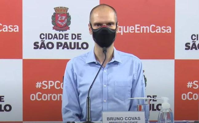 O prefeito de São Paulo, Bruno Covas (PSDB), em coletiva de imprensa na tarde desta quarta-feira (16). — Foto: Reprodução/Youtube