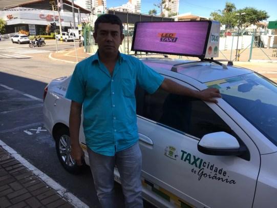 Metade dos taxistas só tem combustível para rodar até quarta-feira, em Goiânia (Foto: Vitor Santana/G1)