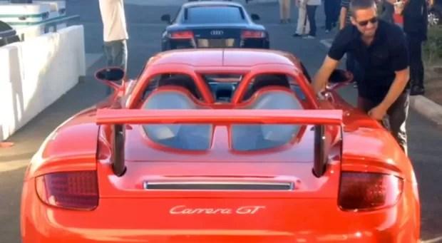 Paul Walker antes de entrar no carro em que sofreu acidente (Foto: AKM-GSI BRASil)