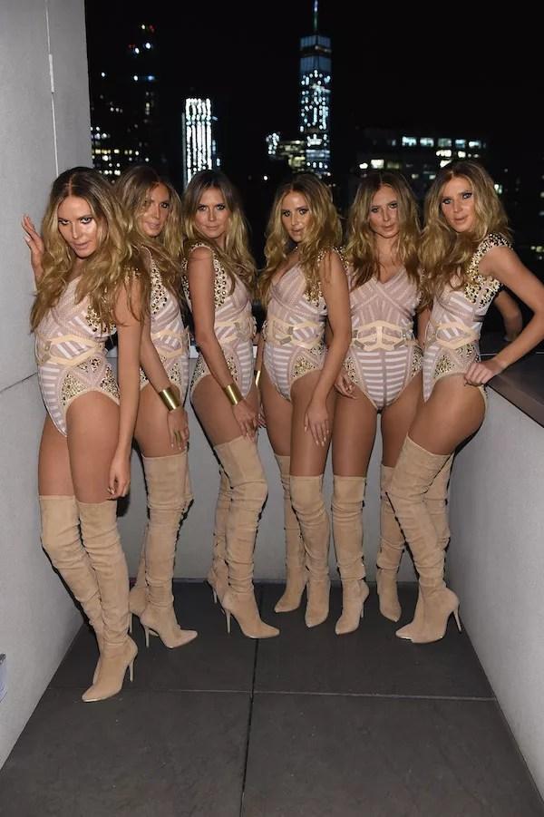 A modelo Heidi Klum e seus cinco 'clones' no Halloween (Foto: Getty Images)