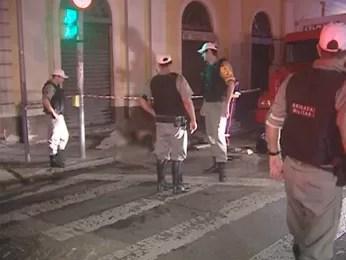 Local de espancamento no Centro de Porto Alegre, no Mercado Público (Foto: Reprodução/RBS TV)