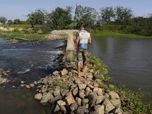 Nível do Rio Jucu é crítico (Foto: Carlos Alberto Silva/ A Gazeta)