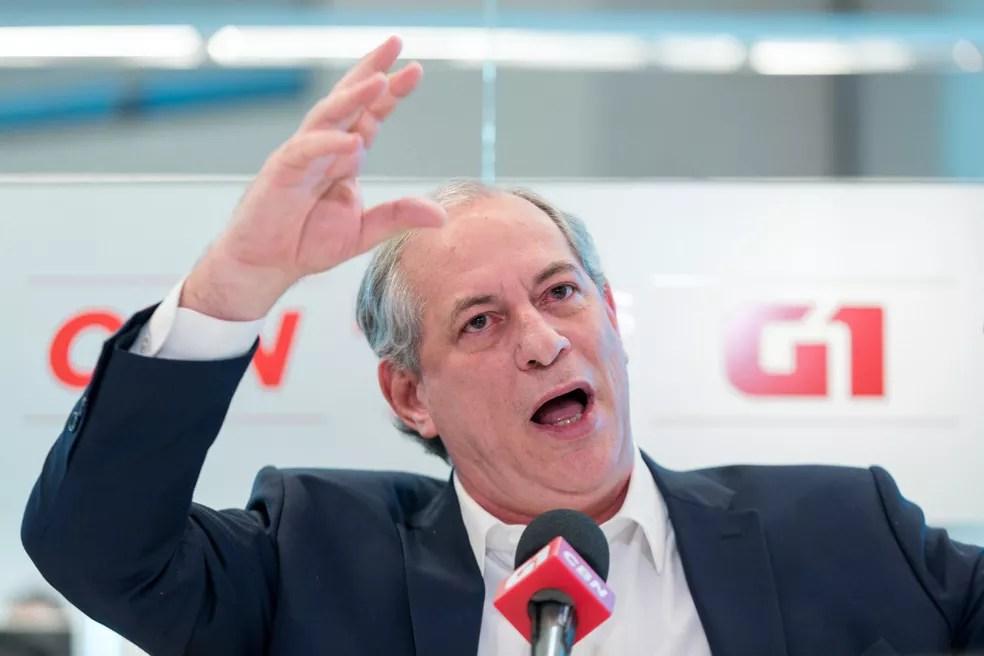 Ciro Gomes, candidato do PDT à Presidência, fala durante entrevista ao G1 e à CBN no estúdio da rádio, em São Paulo — Foto: Marcelo Brandt/G1