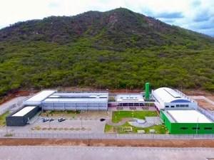 Sede do IFPE de Serra Talhada foi inaugurada nesta segunda (30) (Foto: Reprodução/Twitter/Michel Temer)
