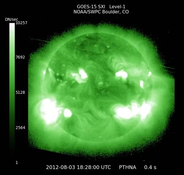 Imagem de satélite da Nasa mostra imagem de raio-X do Sol nesta sexta-feira (3) (Foto: AP)
