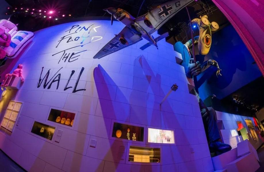 Museu Victoria and Albert recebe a 'The Pink Floyd Exhibition: Their Mortal Remains' (Foto: Divulgação)