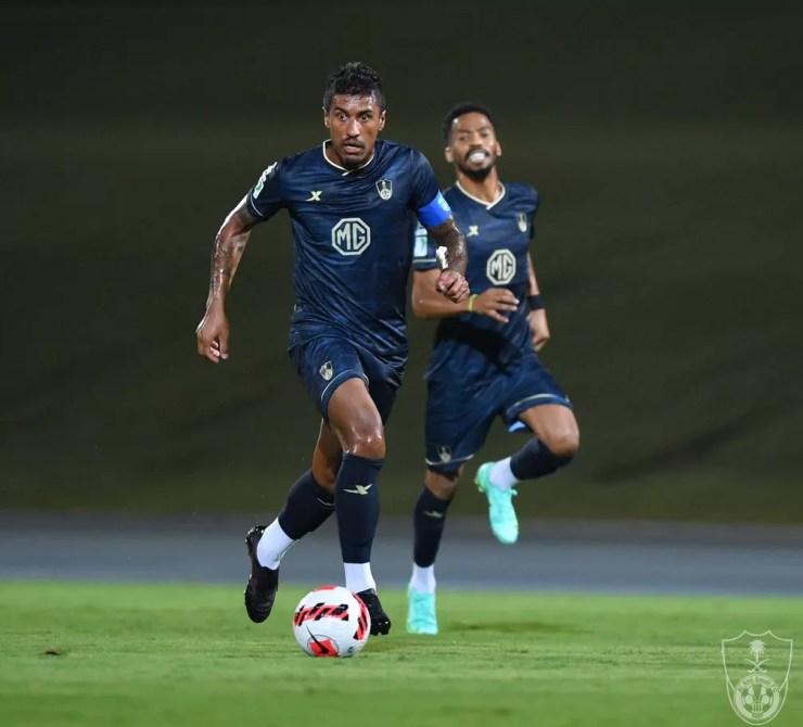 Paulinho disputou quatro jogos e fez dois gols pelo Al-Ahli — Foto: Divulgação