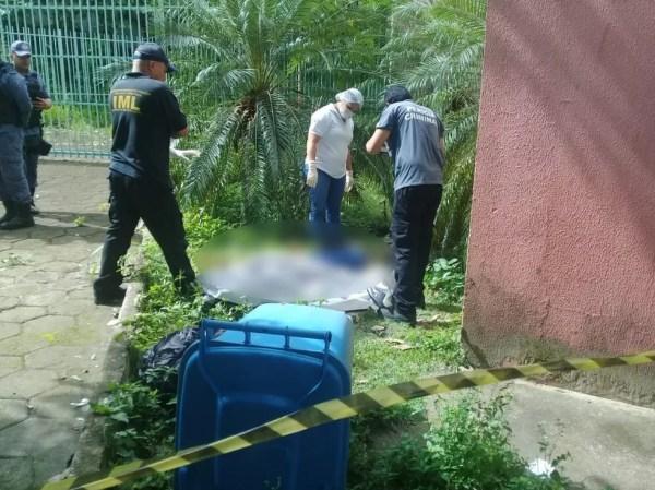 Corpo de mulher é encontrado na UFMA em São Luís — Foto: Domingos Ribeiro/Mirante AM
