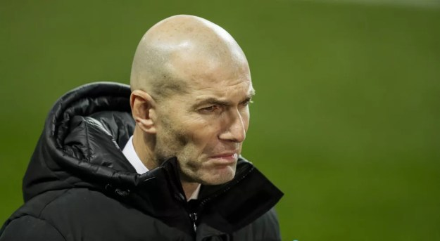 Zidane terminou a temporada sem títulos no Real Madrid e decidiu deixar o clube um ano antes do fim de seu contrato — Foto: Getty Images