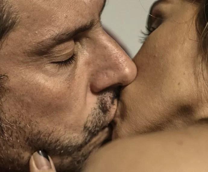 Romero abre o coração para Atena (Foto: TV Globo)