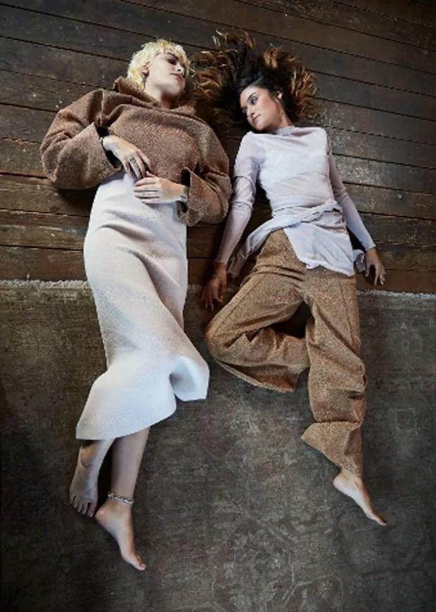 Paris Jackson e Caroline D'Amore (Foto: Flaunt Magazine/Dani Brubaker)
