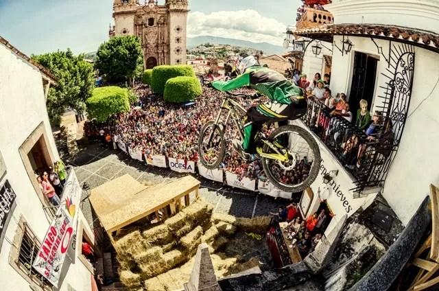 Bernardo Cruz campeão do Downhill Taxco 2014
