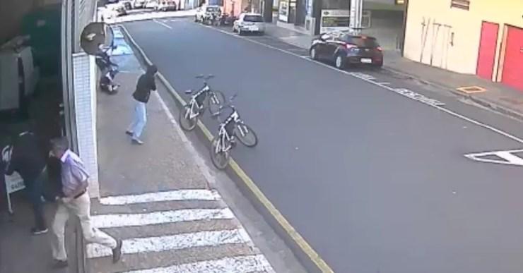 Ladrão atira contra guardas no Centro de Rio Preto (Foto: Reprodução)
