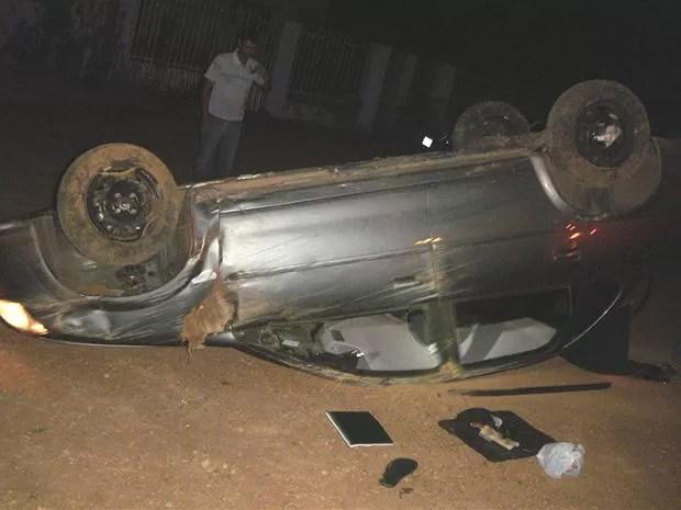 Condutor do carro relatou à PRF que perdeu controle da direção. (Foto: Polícia Rodoviária Federal)